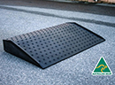 Ramp for drum bund spill pallet low profile